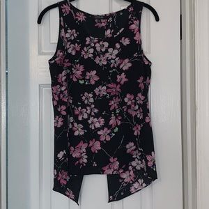 Floral sleeveless blouse with open back